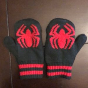 Gap Junkfood Spider-Man mittens small medium